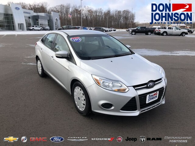 Pre-Owned 2013 Ford Focus SE
