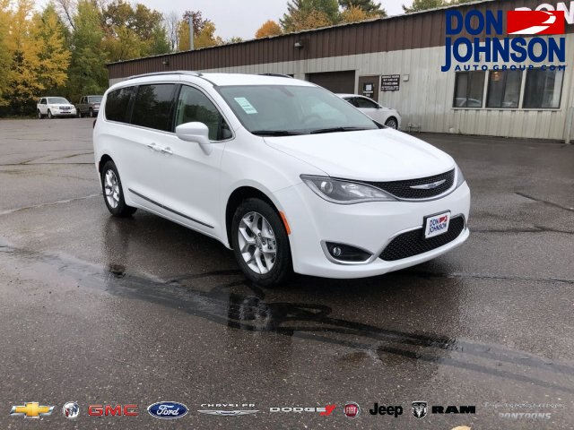 New 2019 Chrysler Pacifica Touring L Plus FWD Minivan